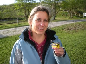 Lisa Kiziuk with Magnolia Warbler