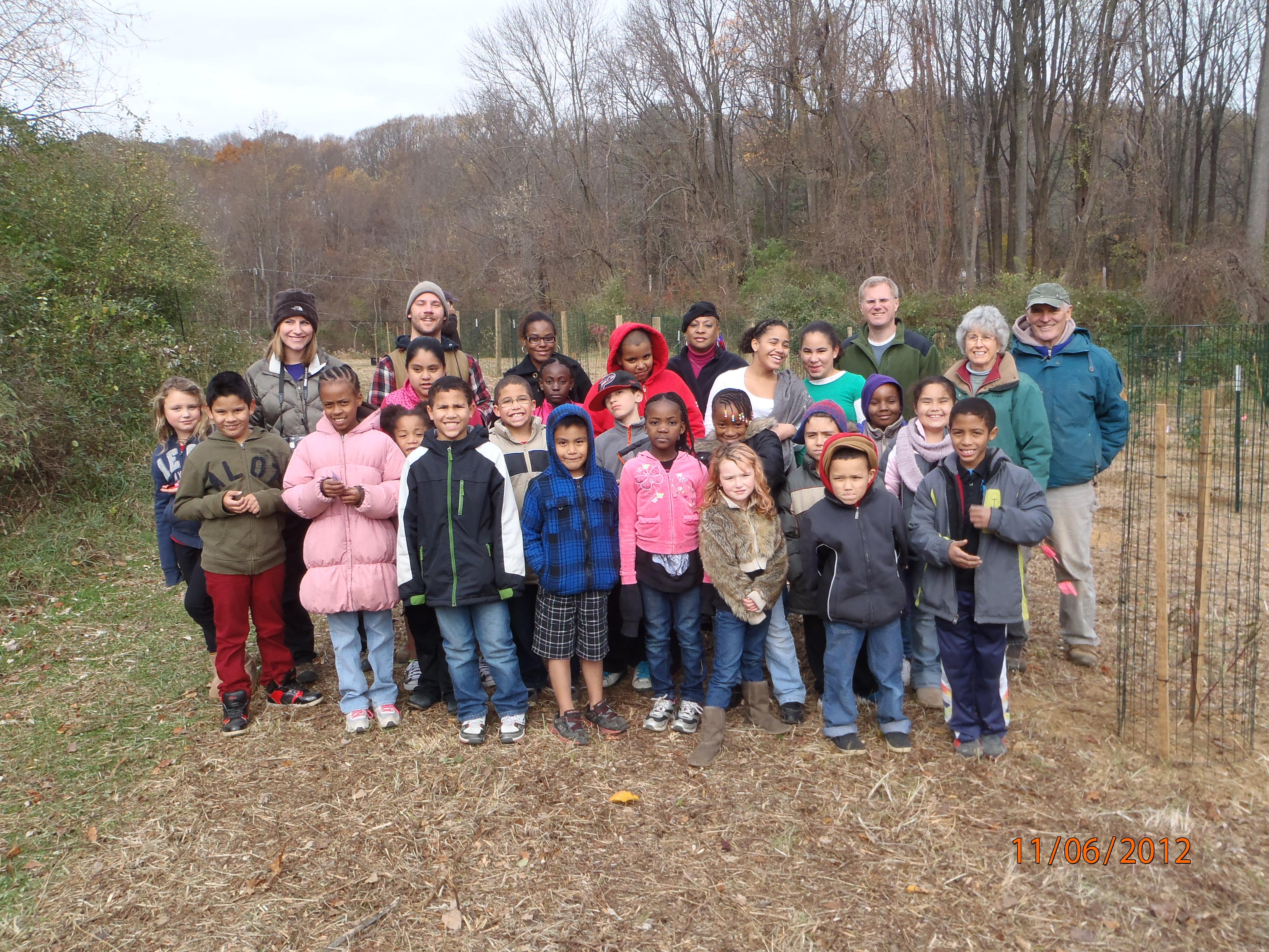 The whole shrub planting crew! Photo by Bill Hartman.